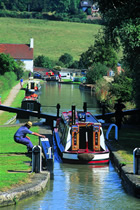 Direct booking discounts for canal boating holidays.